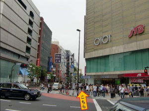 新宿三丁目駅からの道案内ー3